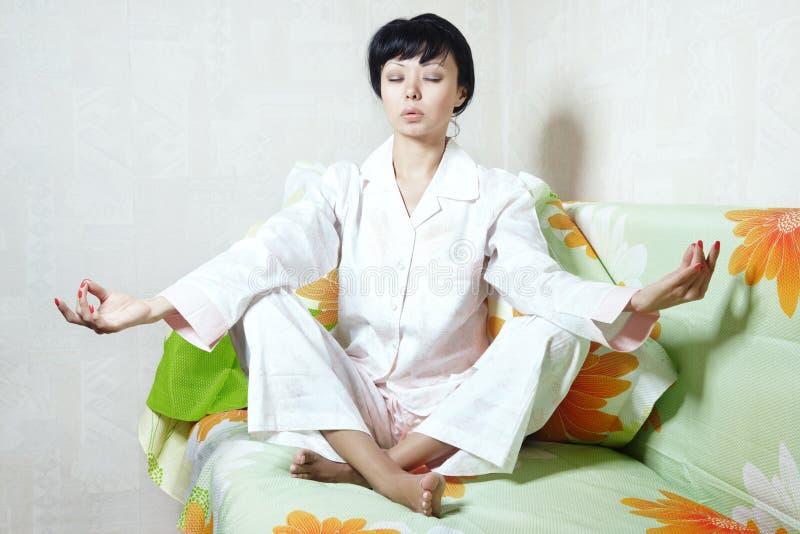 meditationmorgon arkivbilder