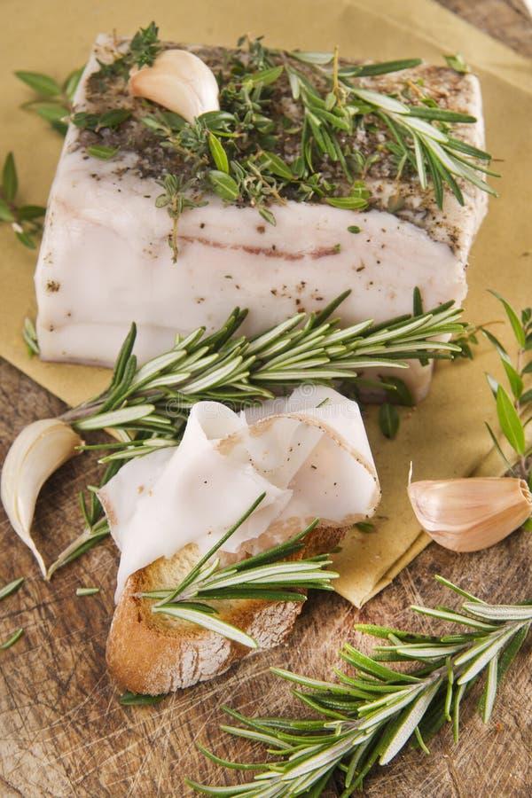 Download Mediterraan Dieet, Bacon Met Kruiden. Stock Afbeelding - Afbeelding bestaande uit plak, kaas: 29515051