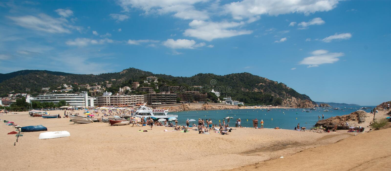 Mediterraan strand Tossa DE Mar Catalonië royalty-vrije stock afbeelding