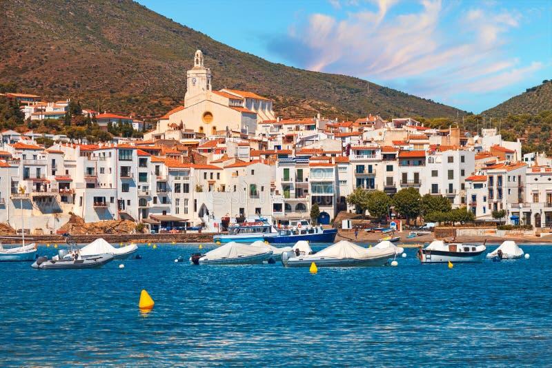 Mediterrane kade van het oude dorp van Cadaques royalty-vrije stock foto