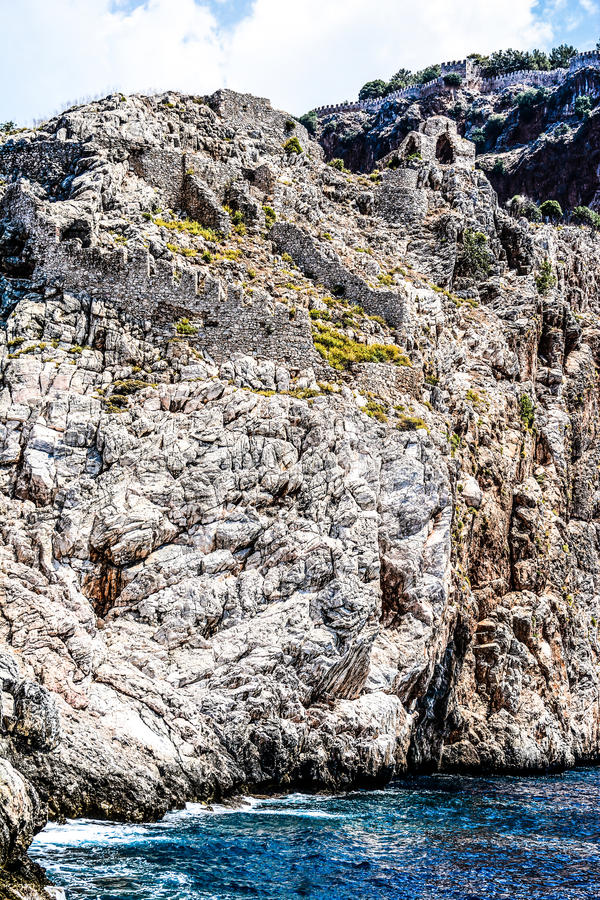 Mediterrane rotsen en oceaan in Turkije royalty-vrije stock fotografie