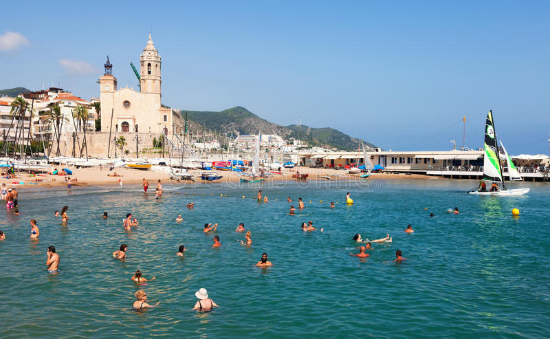 Mediterrane toevlucht in zomer. Sitges royalty-vrije stock foto's