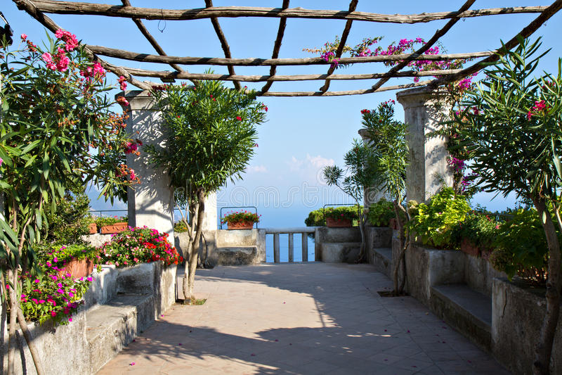 Mediterrane Tuin bij een villa in Ravello royalty-vrije stock foto