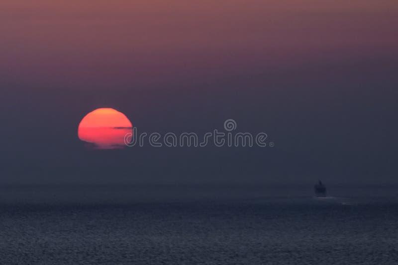 Mediterrane zonsondergang stock afbeelding
