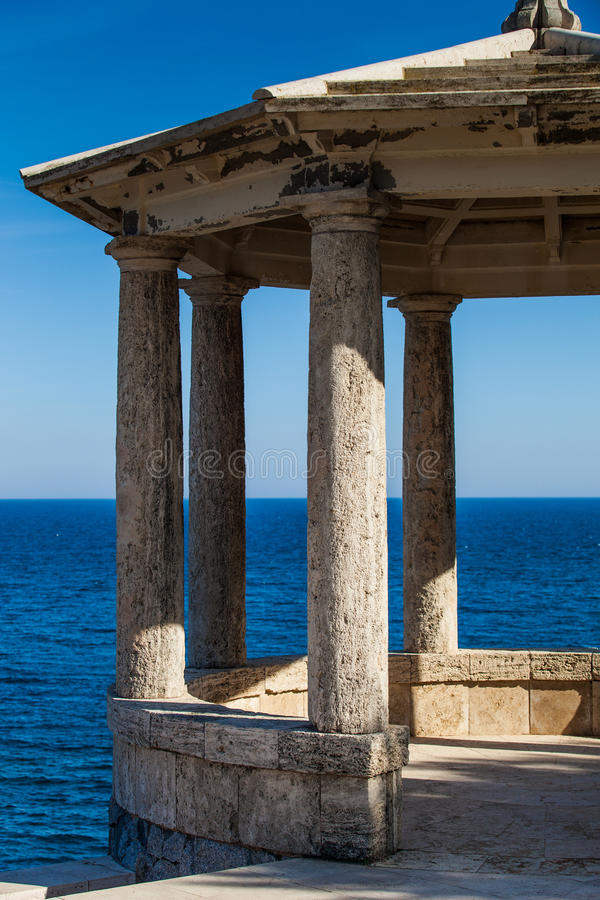 Free Mediterranean Gazebo Royalty Free Stock Photo - 25589785