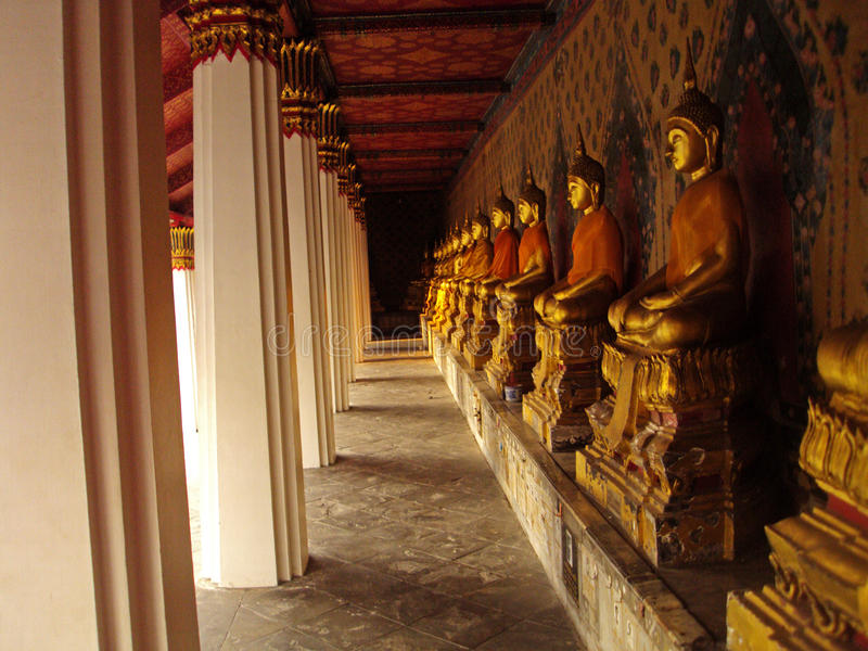 Meditierendes Buddhas stockfotografie