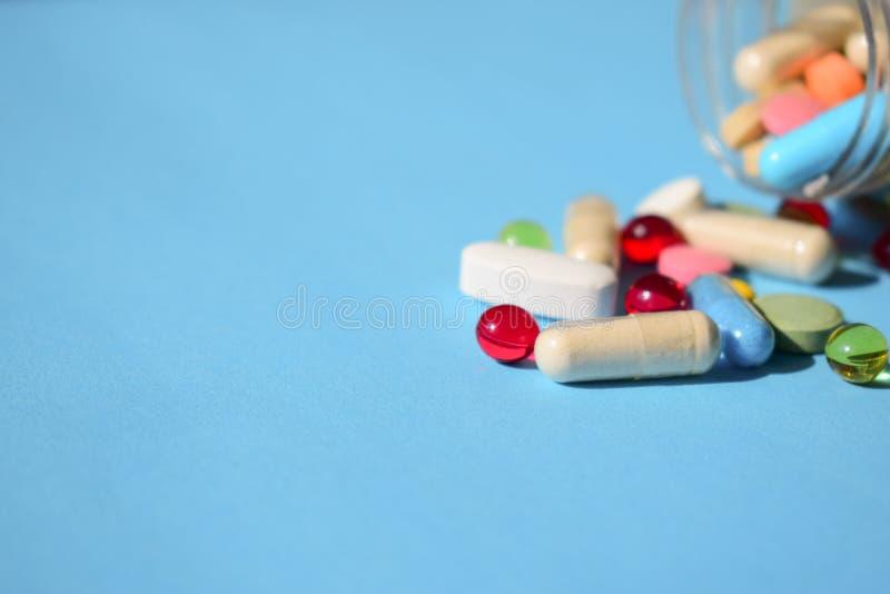 Medizin verboten, Pillenrückruf Mehrfarbige helle verschiedene Art stockfoto