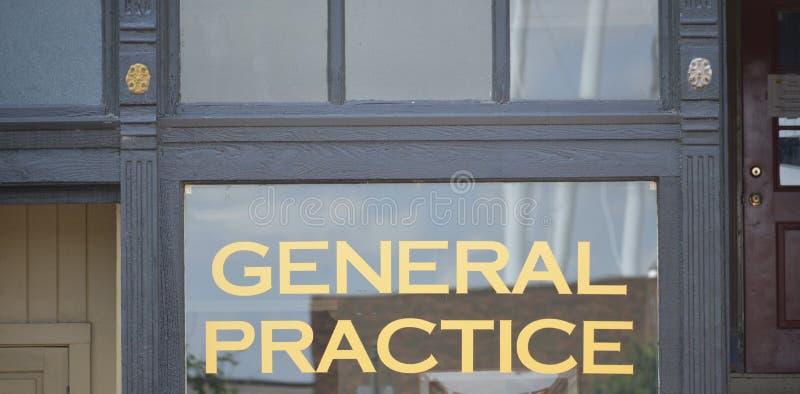 Medizinische allgemeine Praxis behandelt Physicians Office lizenzfreie stockbilder