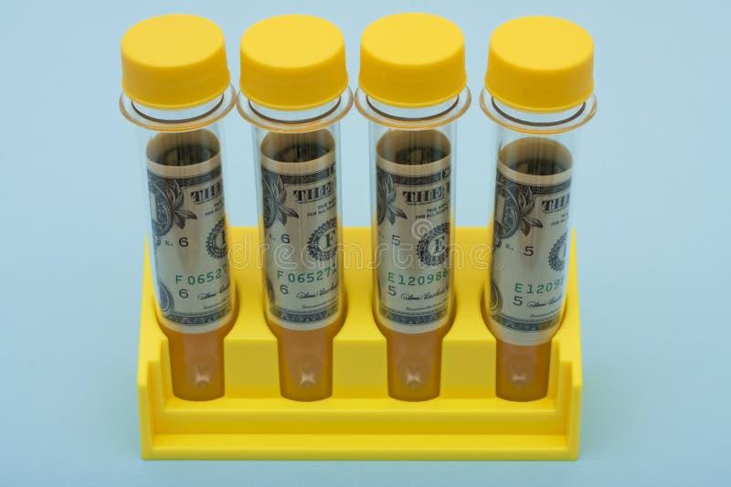Medizinische Forschungs-Kosten lizenzfreies stockbild