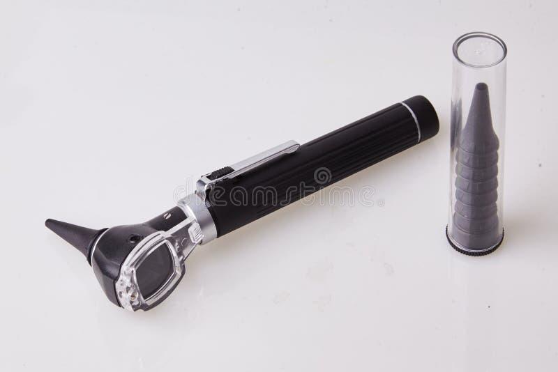 Medizinischer Otoscope benutzt von HNOdoktor für Ohrprüfung lizenzfreies stockfoto