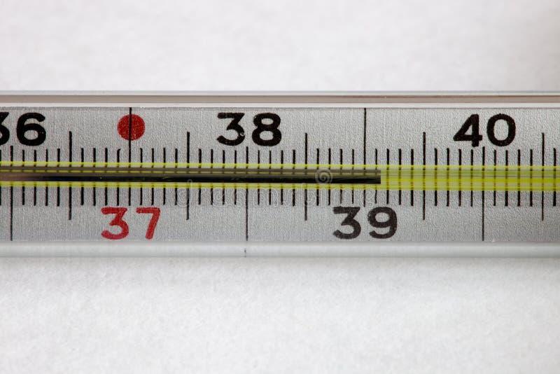 Medizinischer Quecksilberthermometer lizenzfreie stockfotografie