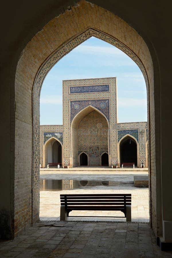Medressa in Boukhara, Oezbekistan stock foto's