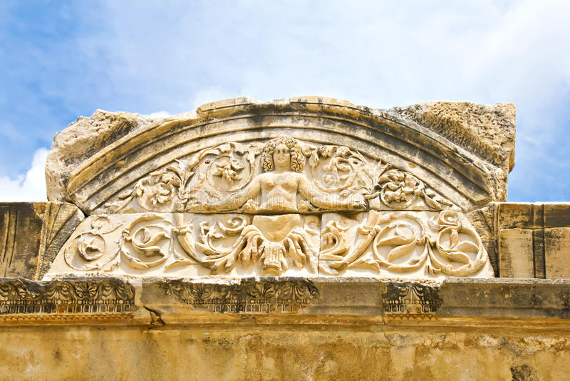 Medusadetalj Av Hadrians Tempel, Ephesus Royaltyfria Foton