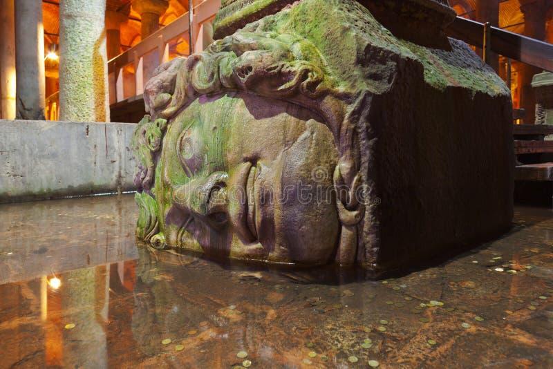 Meduzy głowa przy Podziemnej wody bazyliki spłuczką - Istanbuł fotografia stock