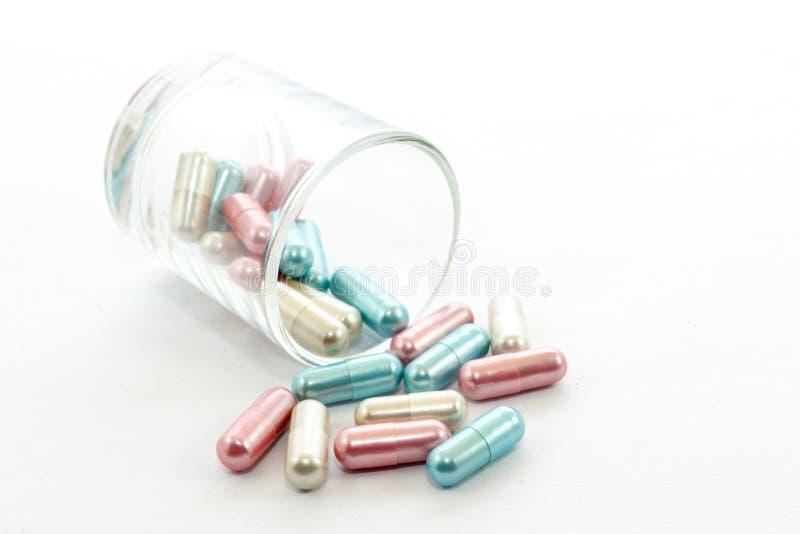 Download Medycyna obraz stock. Obraz złożonej z pigułka, macro - 28963395