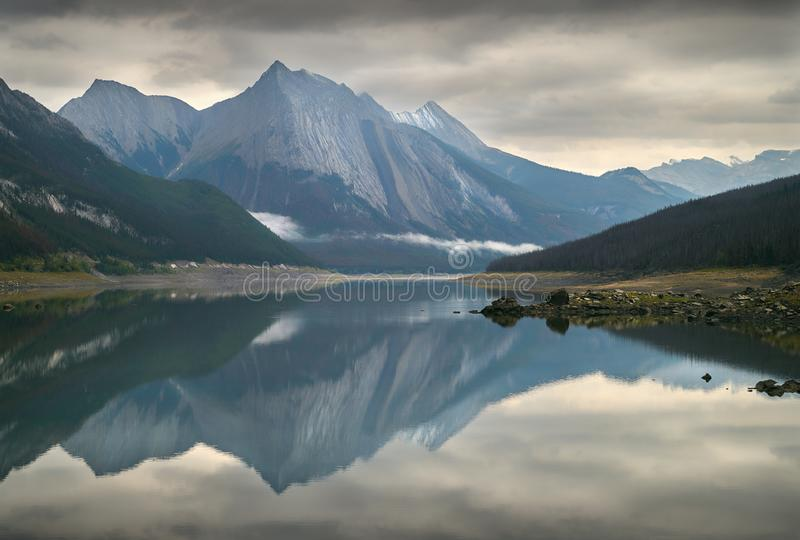 Medycyna jezioro, Alberta obraz royalty free