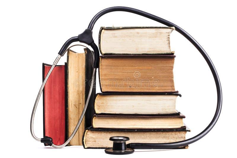 Download Medycyna uczenie zdjęcie stock. Obraz złożonej z książka - 65225482