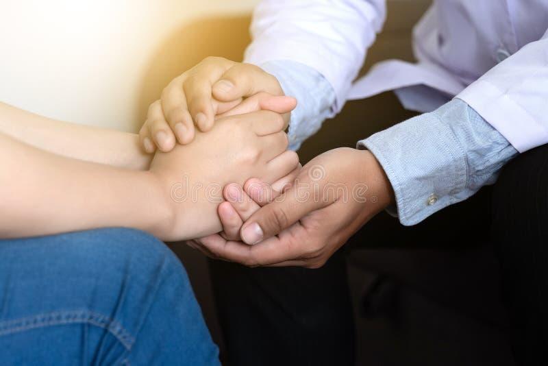 Medycyny i opieki zdrowotnej pojęcie Parkinson i Alzheimer kobieta zdjęcie royalty free