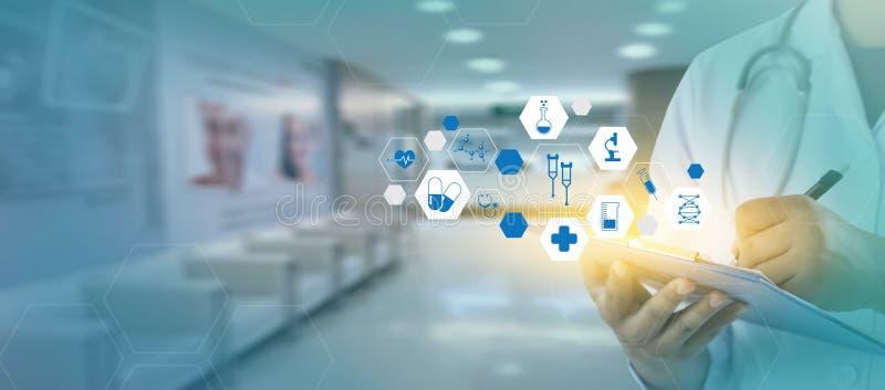 medycyny medycyny lekarki technologii sieci pojęcia kierowy student medycyny fotografia royalty free