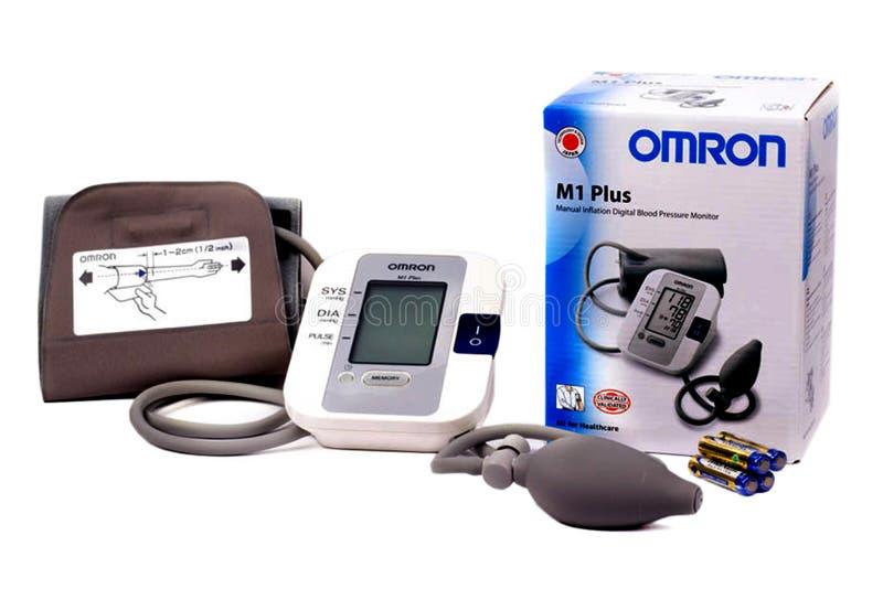 Medyczny tonometer odizolowywający na bielu Tonometer Diagnostyczny narzędzie obraz royalty free