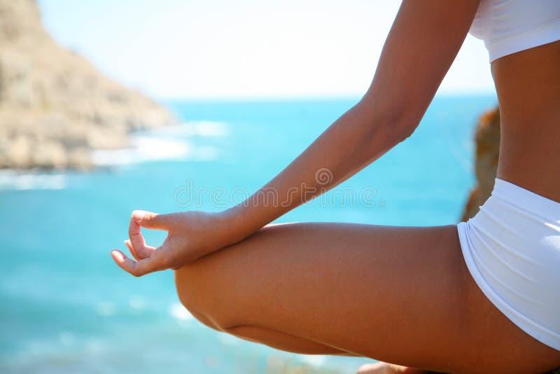 Medytacja na plaży zdjęcie stock