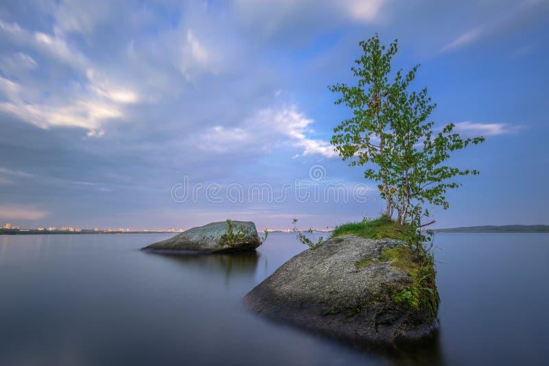 Medytacyjny krajobraz z textured przedpolem fotografia royalty free