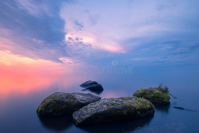 Medytacyjny krajobraz z textured przedpolem fotografia stock