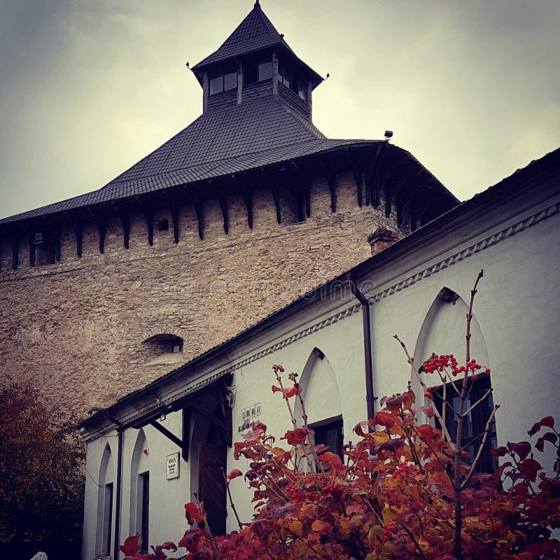 Medzhybizhkasteel in de herfst, de Oekraïne royalty-vrije stock afbeelding