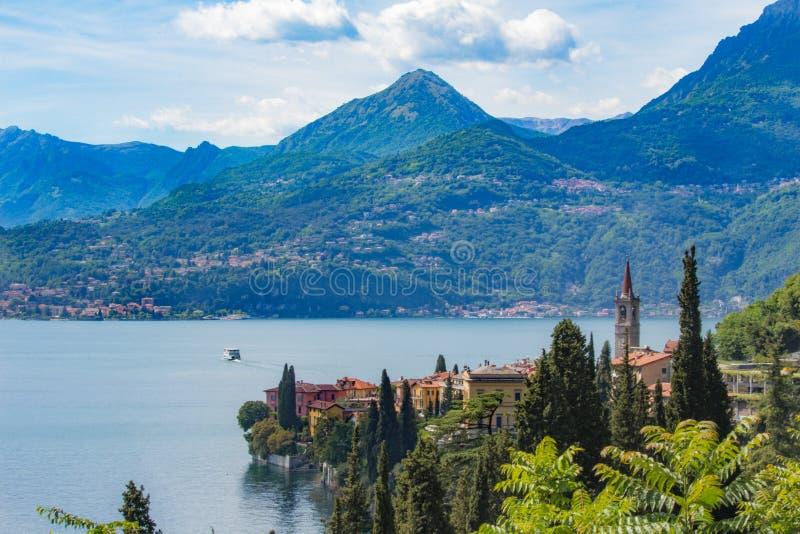 Meer Como, Varenna, Lombardia, Italië royalty-vrije stock afbeelding