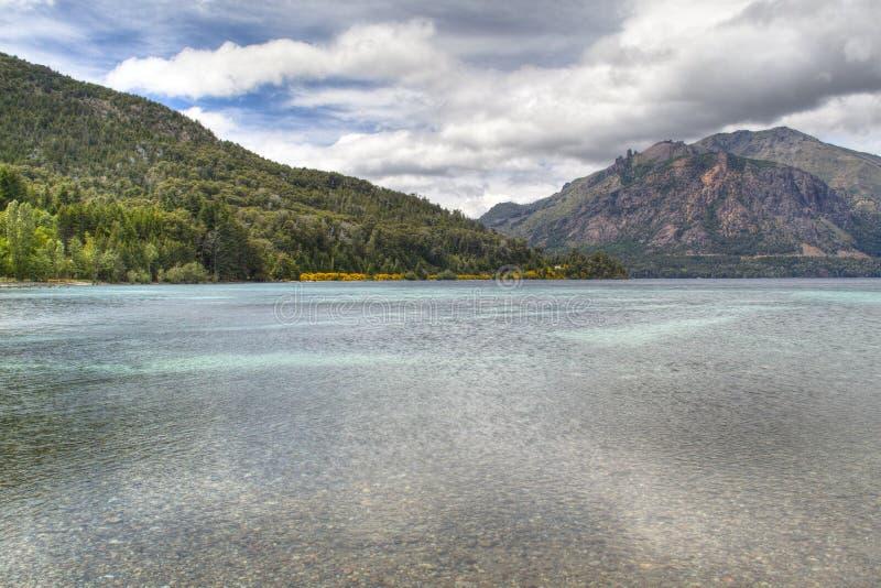 Meer Gutierrez dichtbij Bariloche, Argentinië royalty-vrije stock afbeelding