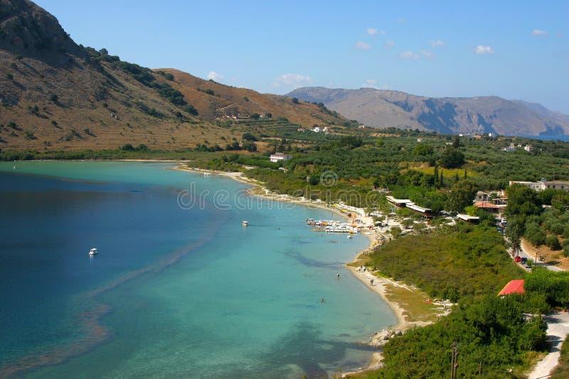 Meer Kourna dichtbij Kournas op het eiland Kreta royalty-vrije stock afbeelding