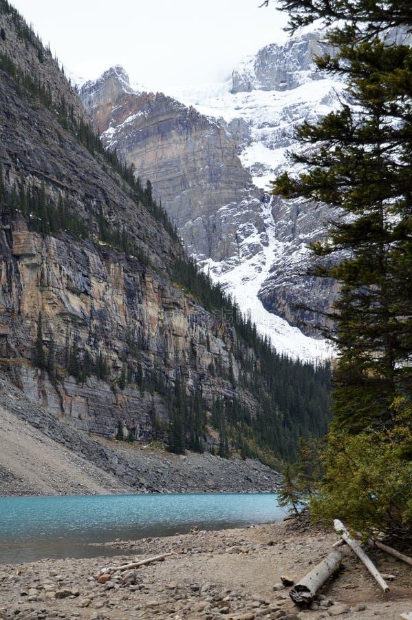 Meer Louise, Canada na een sneeuwval stock foto's