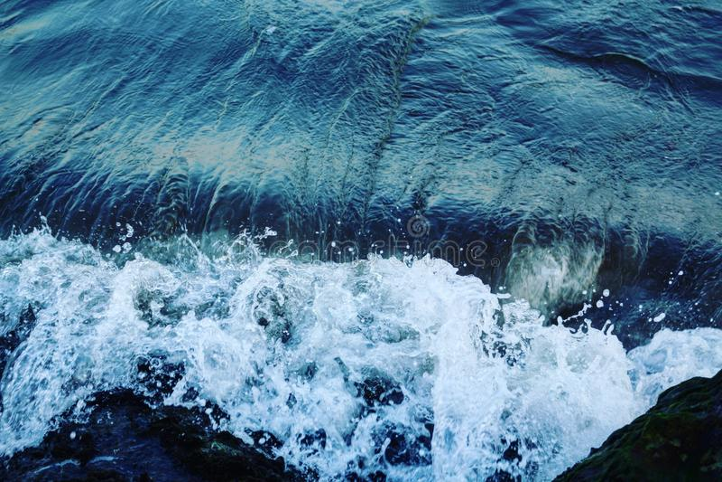 Meer, Mittelmeer, blau, weiß, Welle, lizenzfreie stockfotos