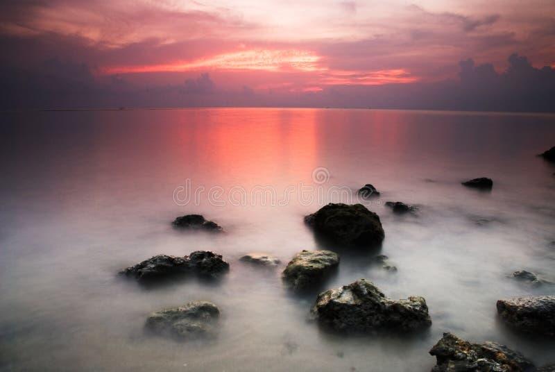 Meer nach Sonnenuntergang stockbild
