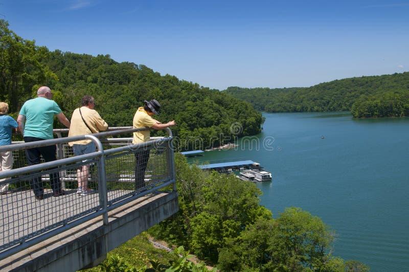 Meer Norris door Norris Dam op de Rivierklinknagel wordt gevormd in Tennessee Valley de V.S. die royalty-vrije stock foto