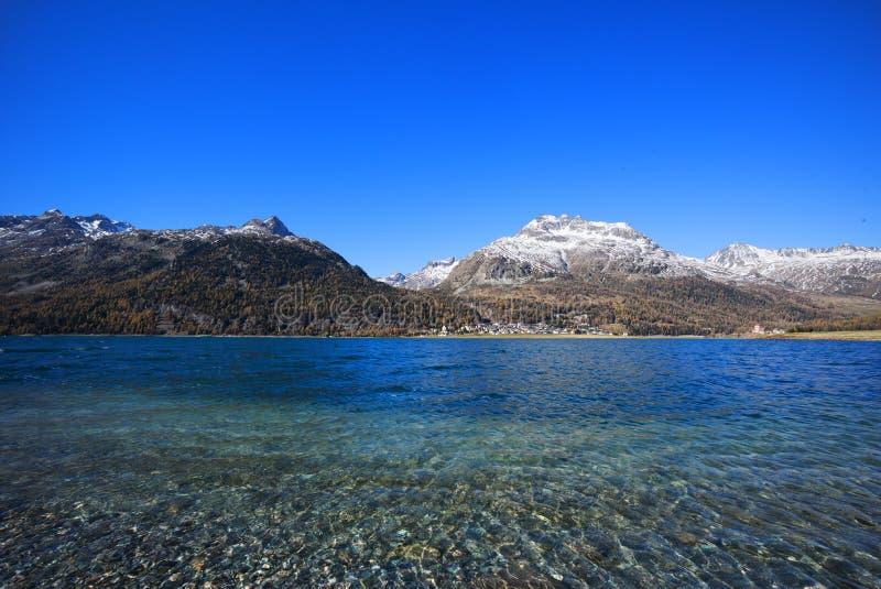 Meer Silvaplana dichtbij St Moritz royalty-vrije stock afbeeldingen