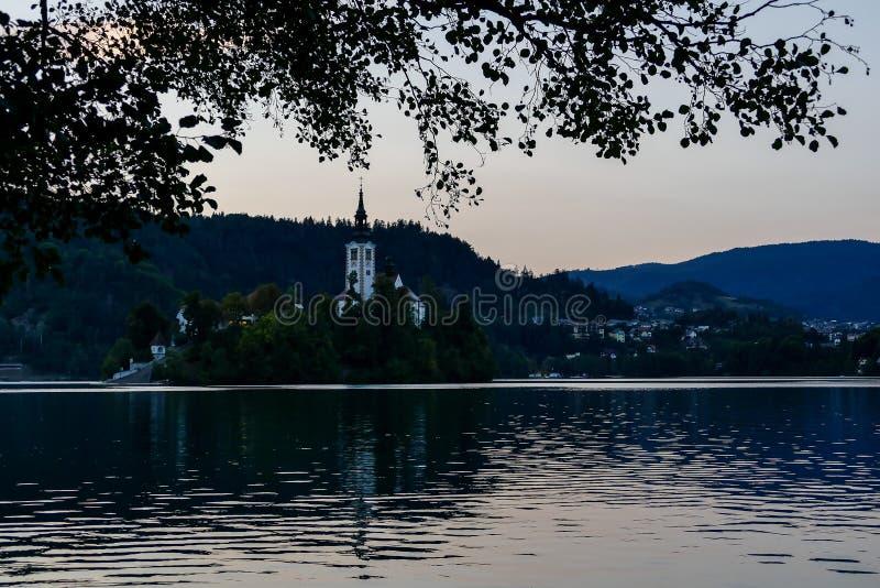 meer in Slovenië, digitaal fotobeeld als achtergrond wordt afgetapt die stock foto's