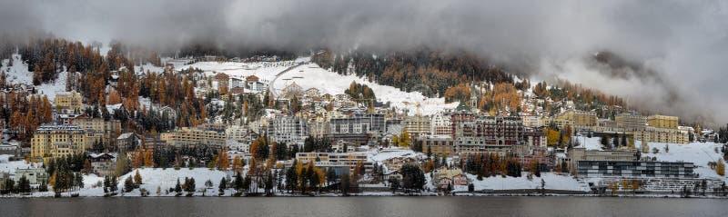 Meer St Moritz met in de herfst stock afbeeldingen