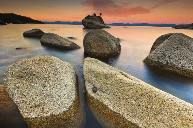 Meer Tahoe na zonsopgang royalty-vrije stock foto's