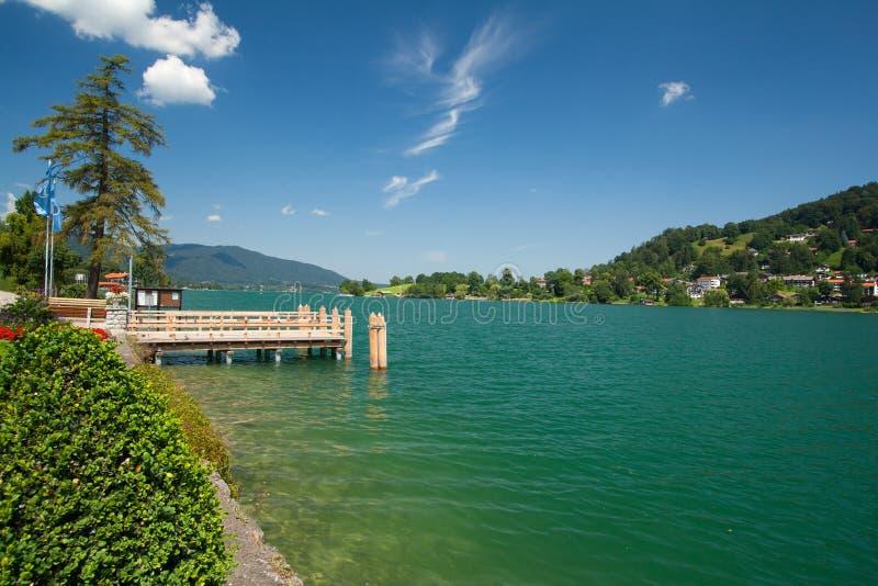 Download Meer Tegernsee in Beieren stock afbeelding. Afbeelding bestaande uit schoonheid - 29501281