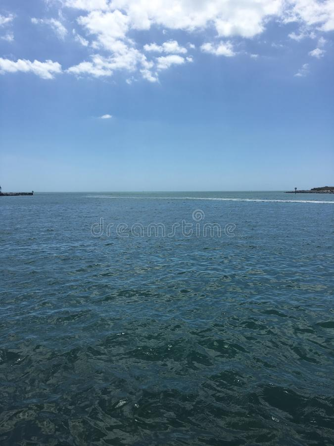 Meer und Himmel lizenzfreies stockbild