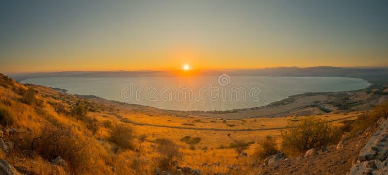 Meer von Galiläa der Kinneret See, bei Sonnenuntergang lizenzfreie stockbilder