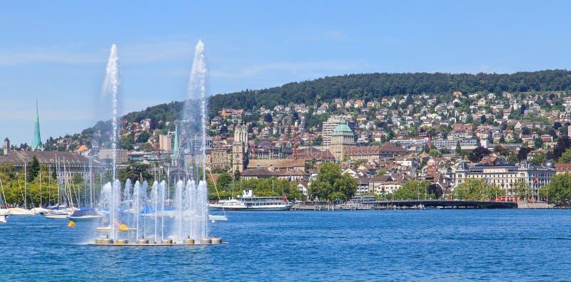 Meer Zürich en cityscape van Zürich stock fotografie