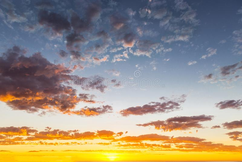 Meerblick des prachtvollen Sonnenuntergangs an Glenelg-Strand, Adelaide, Australien stockbilder
