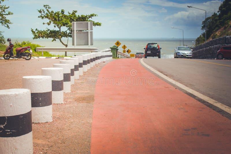 Meerblick-Standpunkt der Straße entlang dem Meer stockfoto