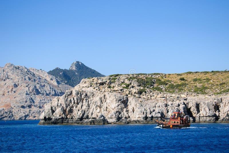Meerblick um Rhodos auf Bootsreise lizenzfreie stockfotografie