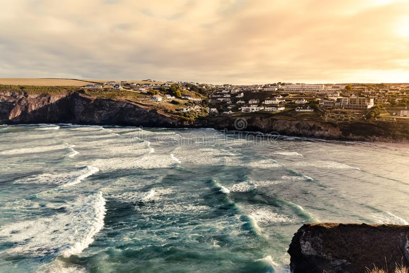 Meerblick von Strand Mawgan Porth lizenzfreies stockfoto