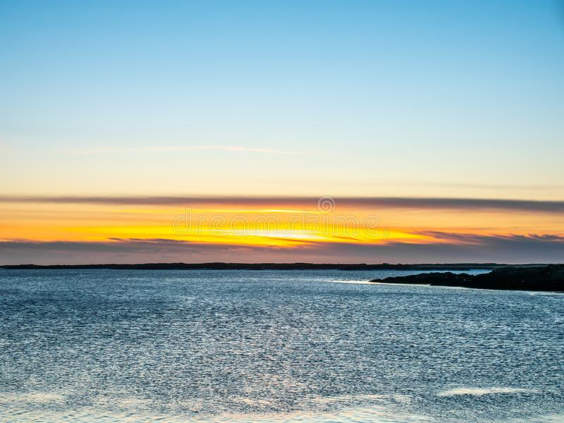 Meerblickansicht in Borganes, Island stockbild