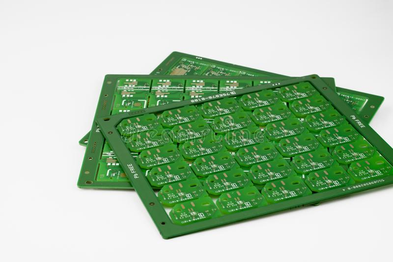 Meerdere gedrukte printplaten PCB's geïsoleerd op de witte achtergrond royalty-vrije stock afbeeldingen
