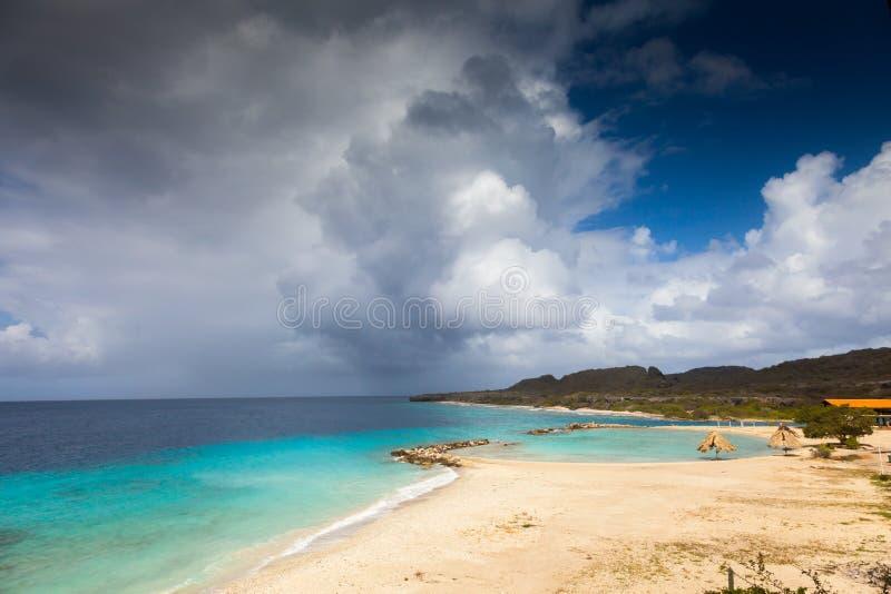 Meeres- Ansichten um Curaçao-Karibikinsel lizenzfreie stockbilder